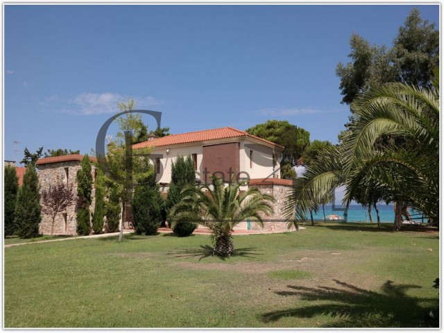 Villa on the seafront | ID: 311 | Greco Paradise